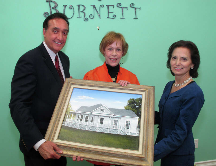 Guests Henry Cisneros, from left, Carol Burnett and Mary Alice Cisneros gather at the reception for Burnett at her childhood home on 4/14/2012. This is #1 of 3 photos. names checked photo by leland a. outz Photo: LELAND A. OUTZ, SPECIAL TO THE EXPRESS-NEWS / SAN ANTONIO EXPRESS-NEWS