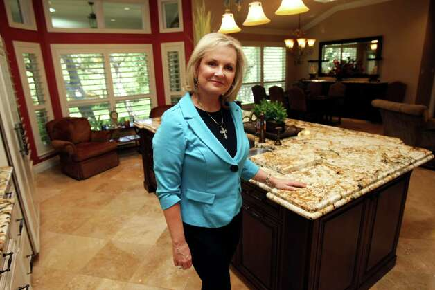 TASTE:   Sherry McCann's kitchen for Cooks & Cocinas, photographed Tuesday April 17, 2012.  Helen L. Montoya/San Antonio Express-News Photo: HELEN L. MONTOYA, San Antonio Express-News / ©SAN ANTONIO EXPRESS-NEWS