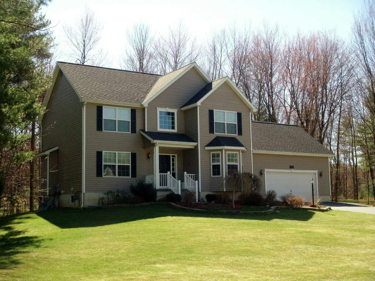 House of the Week: 10 Dakota Drive, Wilton   Realtor: Kimberly Harbour of RealtyUSA.com   Discuss: Talk about this house