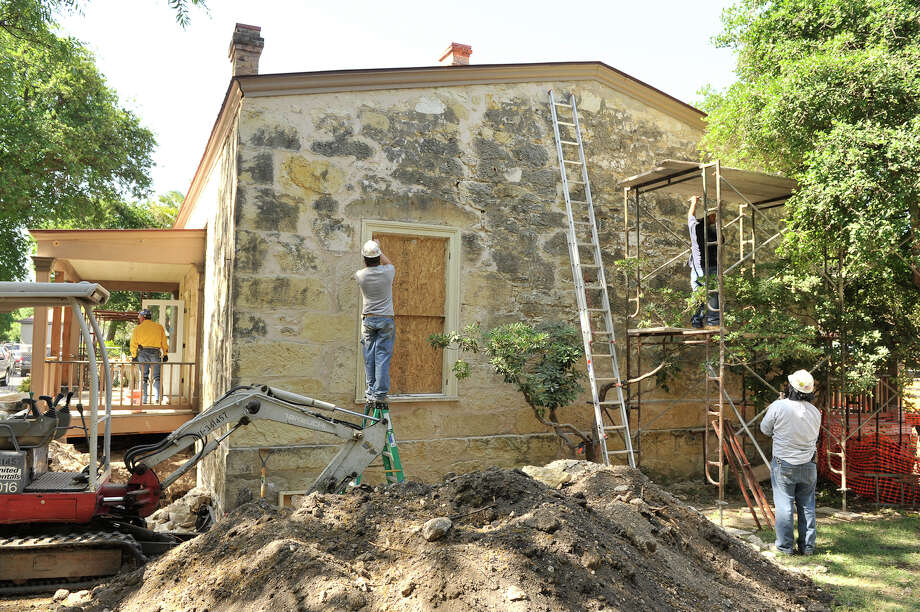 SLUG: Eager House-Photo request 57134-April 19, 2012-San Antonio, Texas---Work continues on the restoration of the Eagar house in HemisFair Park. Photo: Robin Jerstad, For The San Antonio Express-News