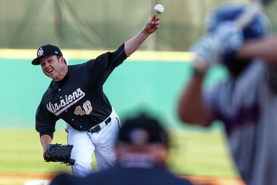 Missions starter Andrew Werner, delivering on Thursday, gave up six hits while striking out seven in six innings. Photo: Marvin Pfeiffer, San Antonio Express-News