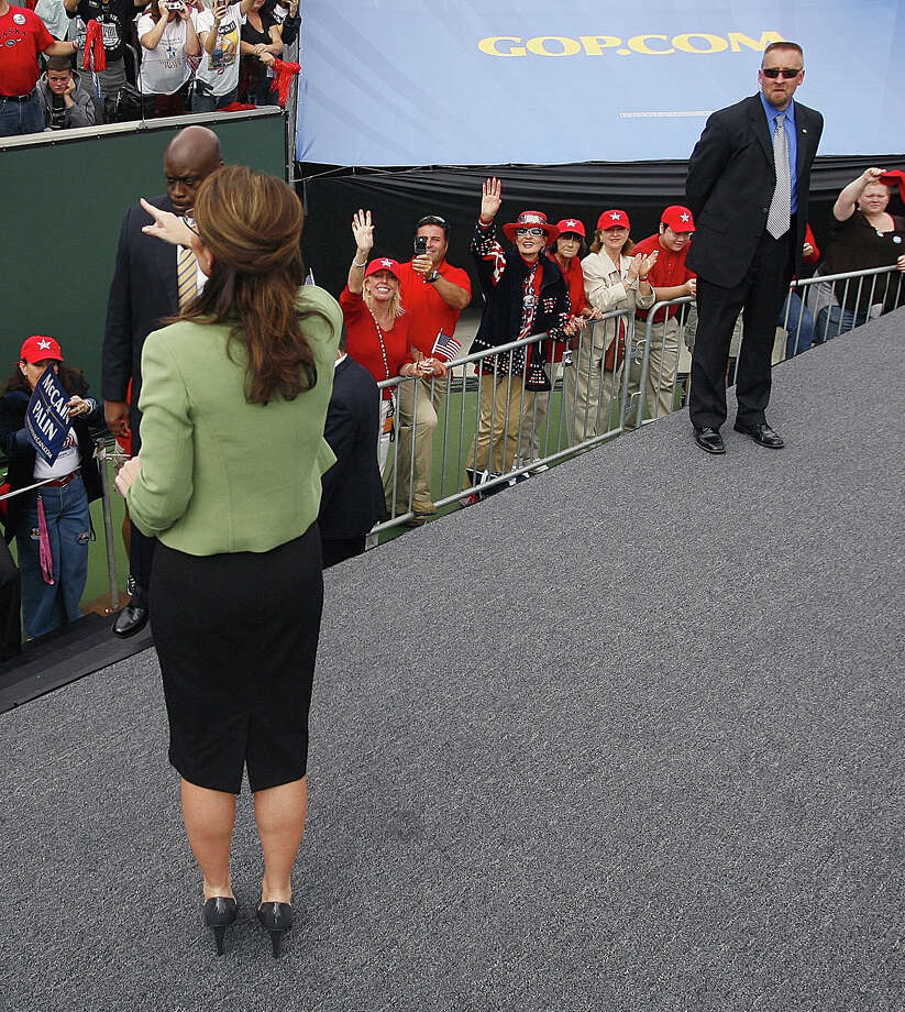 Ex-Secret Service agent David Chaney, at right in 2008, made some off-color comments about Republican vice-presidential candidate Sarah Palin. Photo: Chris Carlson / AP