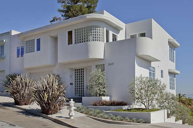 Touch of streamline moderne a rarity for bay area is for Streamline moderne house plans
