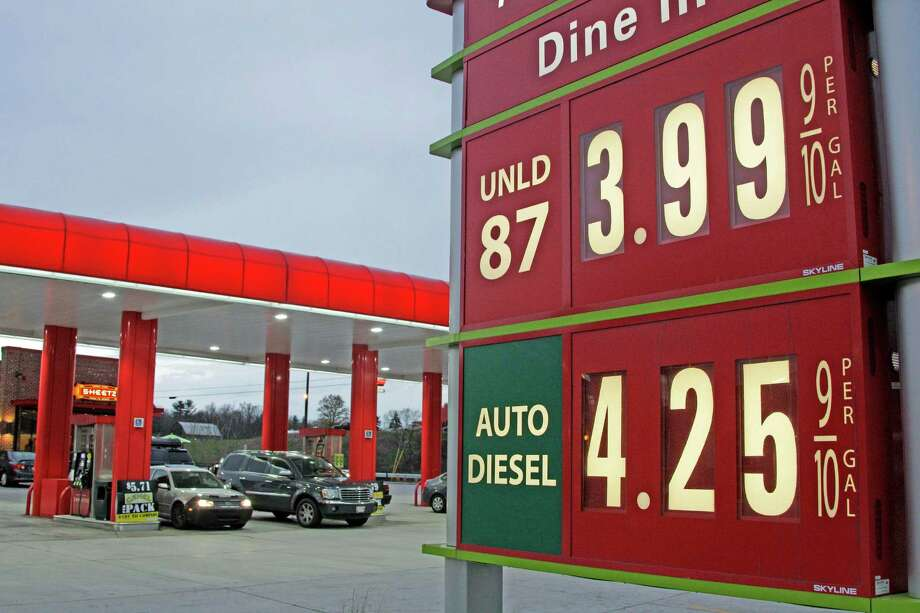 Regular gasoline was just shy of $4 a gallon recently at a station in Breezewood, Pa.  Tom Kloza, publisher and chief oil analyst at Oil Price Information Service, said he expects average U.S. prices to slip to just above $3.80 by late next week. Photo: Gene J. Puskar / AP2012