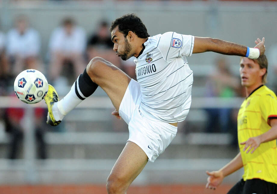 The Scorpions' Pablo Campos returns to North Carolina to face his old team, the RailHawks, on Saturday. Photo: John Albright, For The Express-News