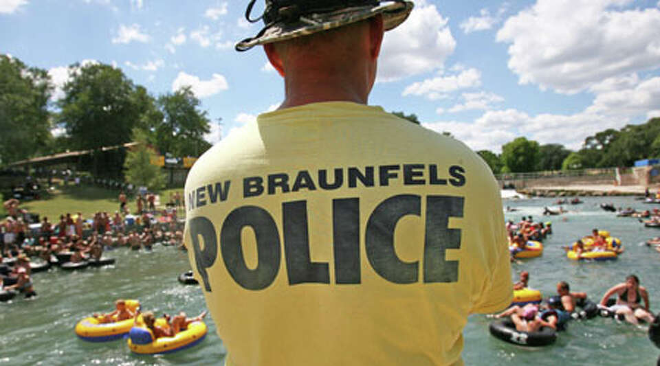 New Braunfels police are cracking down on noise, volume drinking devices and Jell-O shots on the Com