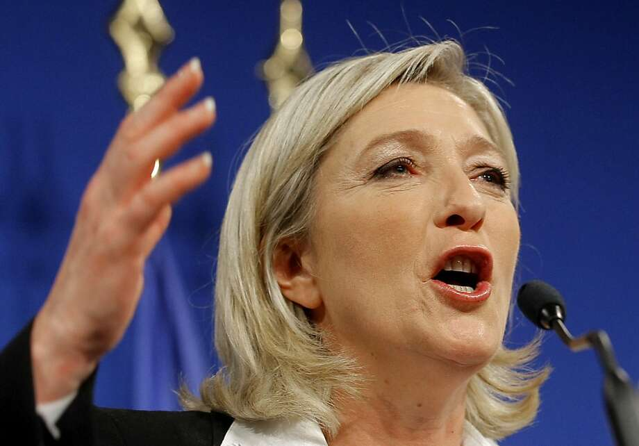 Marine Le Pen, candidata presidencial del Frente Nacional, da un discurso a sus seguidores el domingo 22 de abril de 2012 en París. La líder de la extrema derecha en Francia quedó en tercer sitio en la primera vuelta de las elecciones del domingo. (Foto AP/Jacques Brinon) Photo: Jacques Brinon, Associated Press