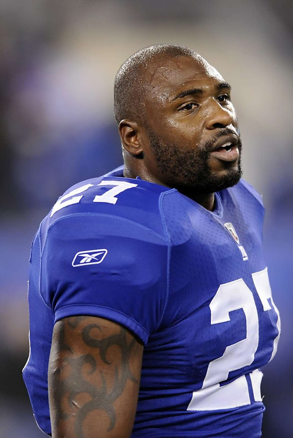 FILE - This Nov. 20, 2011 file photo shows New York Giants running back Brandon Jacobs before an NFL football game against the Philadelphia Eagles, in East Rutherford, N.J. A person with knowledge of the contract says Jacobs and the San Francisco 49ers have agreed to terms on a one-year deal. (AP Photo/Bill Kostroun, File)