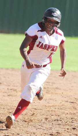 Shawneece Jones had a strong freshman year at shortstop for Jasper this year. Photo: Jason Dunn