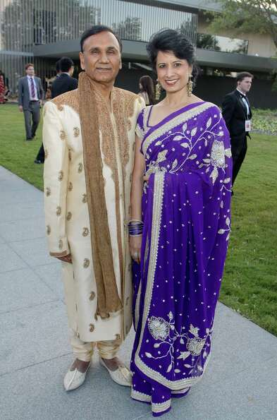 Dr. Suresh Khator and Dr. Renu Khator at the Asia Society Texas Center Tiger Ball on April 12. The e