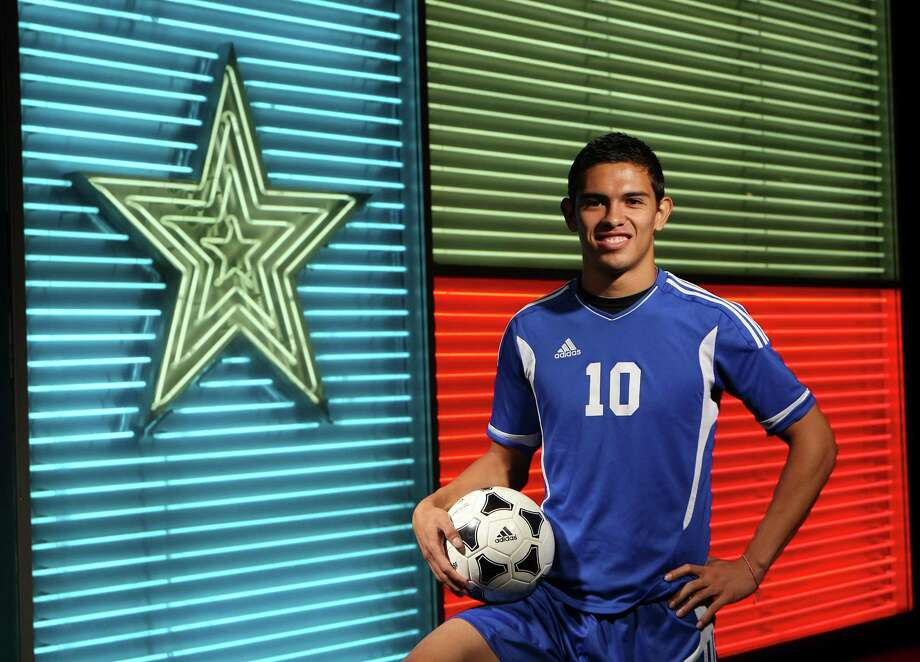 SPORTS:  WINTER 2012 All Area Team: Alex Santamaria, Jay Soccer, photographed at the Institute of Texan Cultures. Helen L. Montoya/San Antonio Express-News Photo: HELEN L. MONTOYA, San Antonio Express-News / ©SAN ANTONIO EXPRESS-NEWS