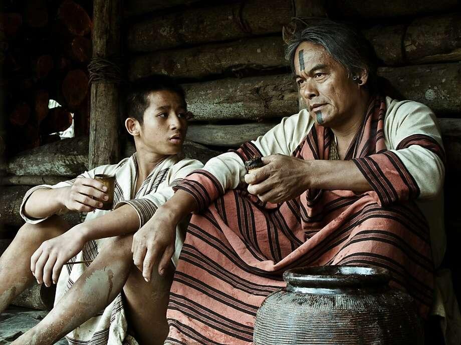 Lin Yuan-Joe and Lin Ching-Tai in Wei Te-Sheng s WARRIORS OF THE RAINBOW: SEEDIQ BALE Photo: Well GO USA