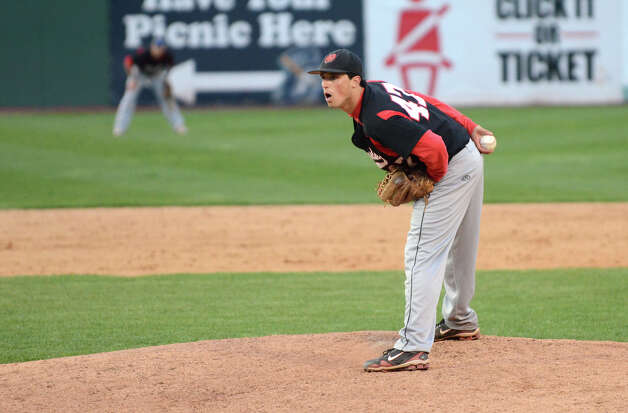 Fairfield Warde's Dan Warren (47) pitches during the baseball game against Ludlowe at the Ballpark at Harbor Yard in Bridgeport on Wednesday, Apr. 25, 2012. Photo: Amy Mortensen / Connecticut Post Freelance