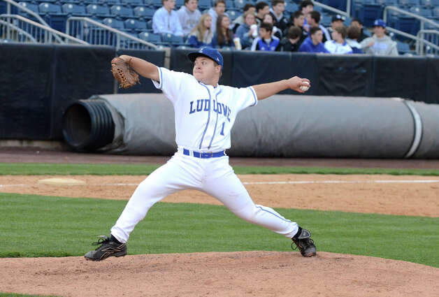 Fairfield Ludlowe's Tim Moran (1) pitches during the baseball game against Warde at the Ballpark at Harbor Yard in Bridgeport on Wednesday, Apr. 25, 2012. Photo: Amy Mortensen / Connecticut Post Freelance