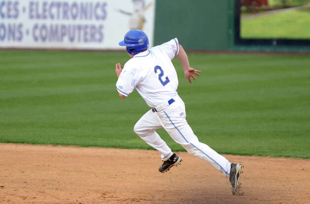 Fairfield Ludlowe's Charles Meder (2) runs to second during the baseball game against Fairfield Warde at the Ballpark at Harbor Yard in Bridgeport on Wednesday, Apr. 25, 2012. Photo: Amy Mortensen / Connecticut Post Freelance