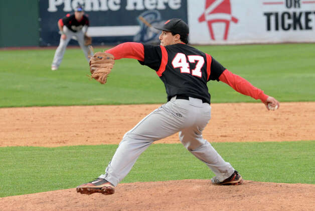 Fairfield Warde's Dan Warren (47) pitches during the baseball game against Fairfield Ludlowe at the Ballpark at Harbor Yard in Bridgeport on Wednesday, Apr. 25, 2012. Photo: Amy Mortensen / Connecticut Post Freelance