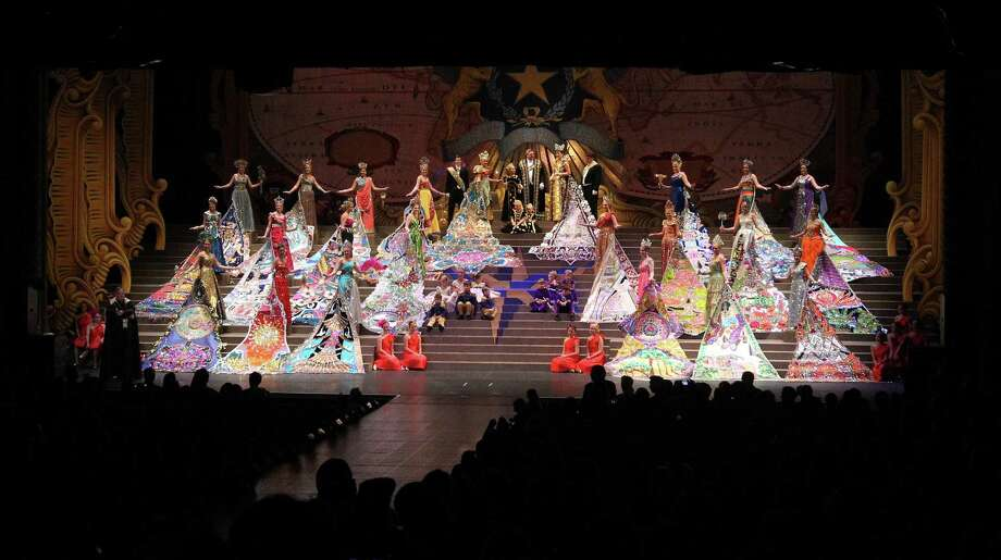 Coronation of the Order of the Alamo at the Majestic Theater on Wednesday, Apr. 25, 2012. Photo: Kin Man Hui, Kin Man Hui/Express-News / ©2012 San Antonio Express-News