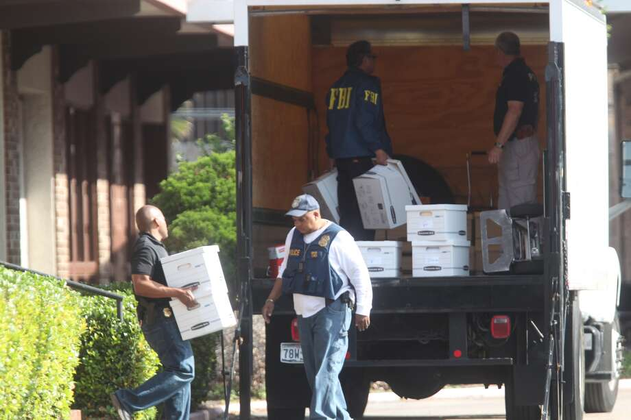 FBI agents Thursday morning raided a mental health clinic in the 6600 block of Hornwood that is owned by Westbury Community Hospital. Photo: Johnny Hanson, Houston Chronicle