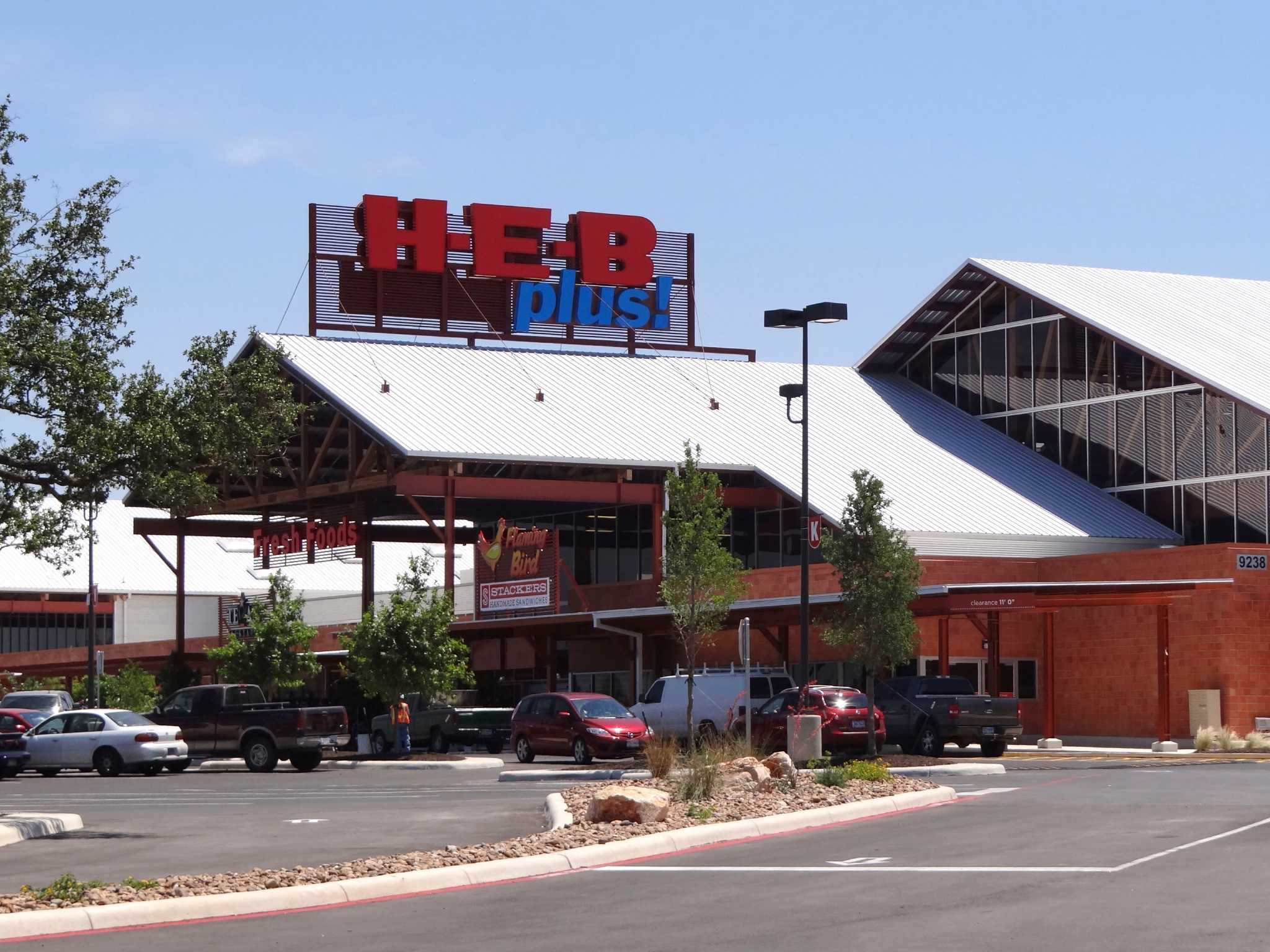 H E B S Largest Store Opens In Sa San Antonio Express News