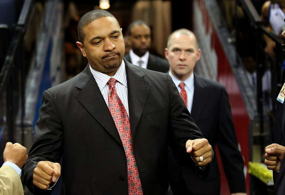 Golden State Warriors' head coach Mark Jackson walks onto the court prior to the start of their game with the San Antonio Spurs Thursday, April 26, 2012, in Oakland, Calif. Photo: Lance Iversen, The Chronicle
