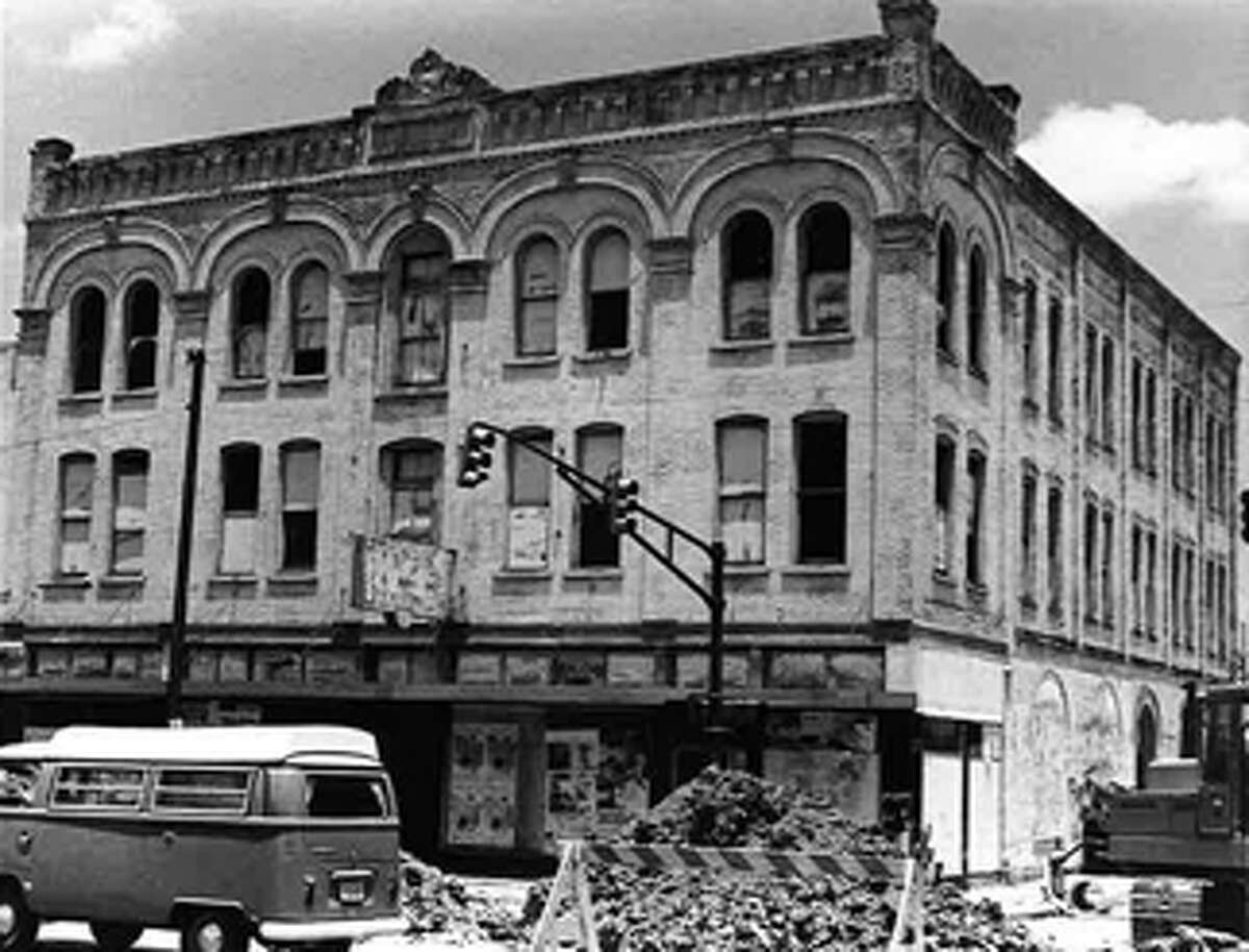 Constructed in 1906, the Fairmount Hotel was originally located on Bowie and Commerce streets, the site of the Rivercenter Mall. In 1985, it was moved to its current location at 401 S. Alamo St.