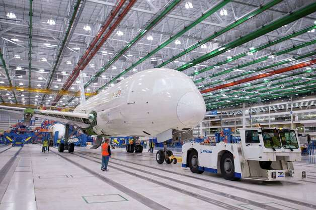 The first Boeing 787 Dreamliner assembled at Boeing's North Charleston, S.C., plant achieves weight on its wheels. Photo: ALAN MARTS / Copyright © 2011 Boeing. All Rights Reserved.