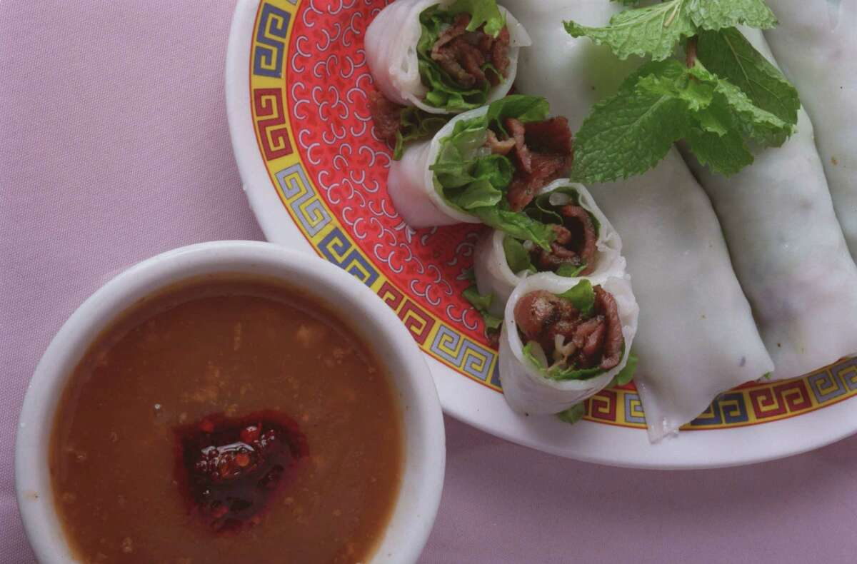 Steamed rice cakes filled with grilled pork (banh uot thit nuong) at Huynh.