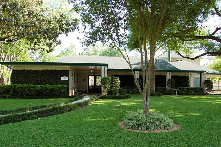 11709 Longleaf Ln  |  Greenwood King Properties  |  Agent: Valerie Lankford |  (713) 784-0888  | Photo: GWK