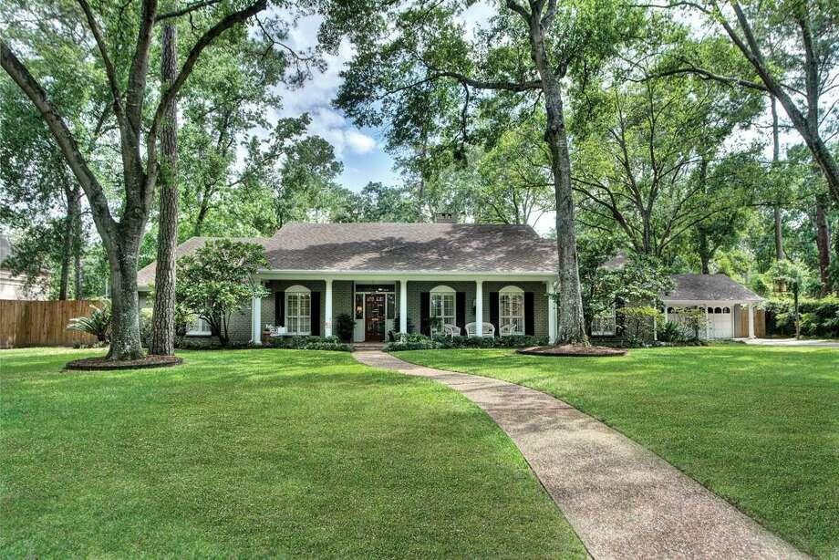 10611 Tarleton Dr  |  Greenwood King Properties  |  Agent: Alicia Cribbs |  (713) 784-0888  | Photo: GWK