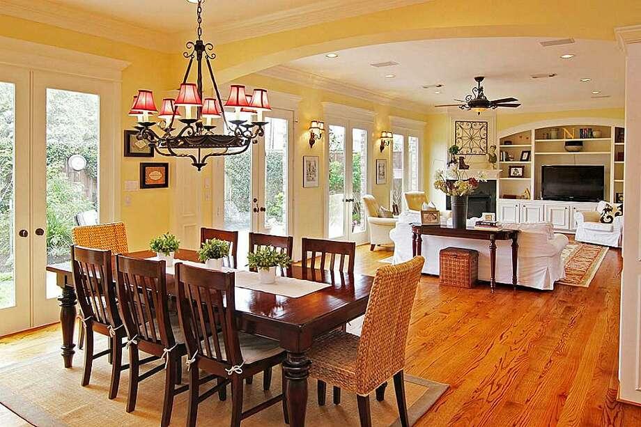 5012 Tamarisk  |  Greenwood King Properties  |  Agent: Barbara Staley |  (713) 524-0888  | Photo: GWK