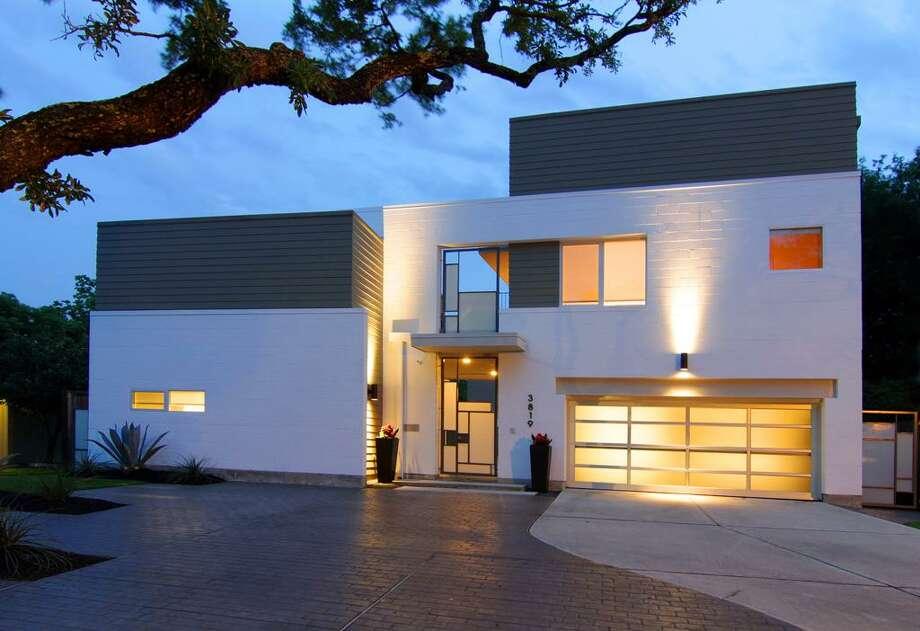 3819 Drake  |  Greenwood King Properties  |  Agent:  Debbie Levine|  (713) 524-0888  | Photo: GWK