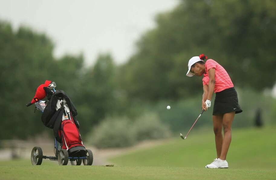 Bellaire Samantha Smith takes a shot on hole one during the first round of the Class 5A state golf t