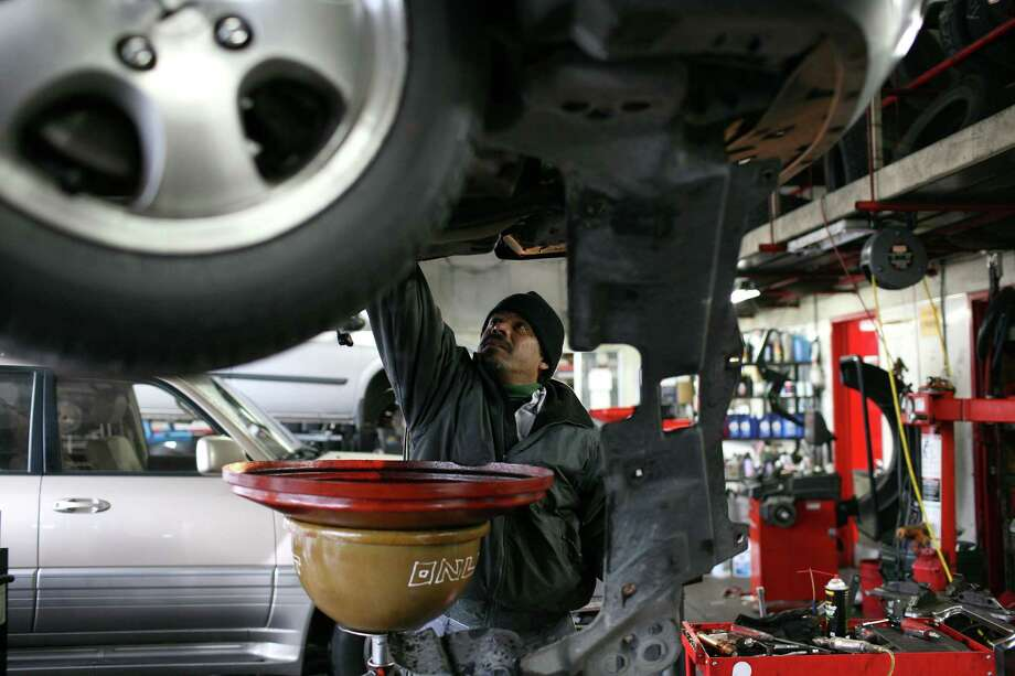 >>>Check out the highest-rated auto-repair shops in the Houston area, according to Yelp. (File Photo by Justin Sullivan/Getty Images) Photo: Justin Sullivan, Getty Images / 2009 Getty Images