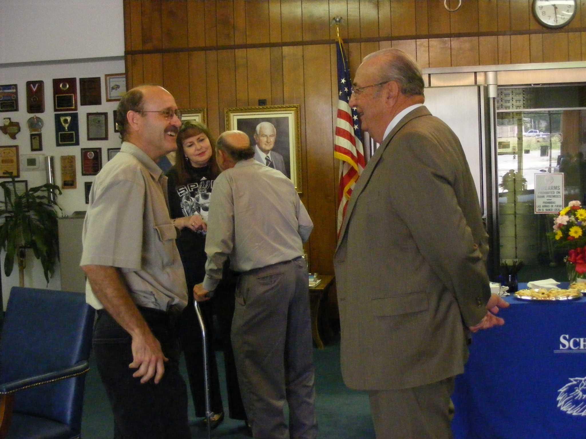 Schertz Bank Exec Golla Retires San Antonio Express News