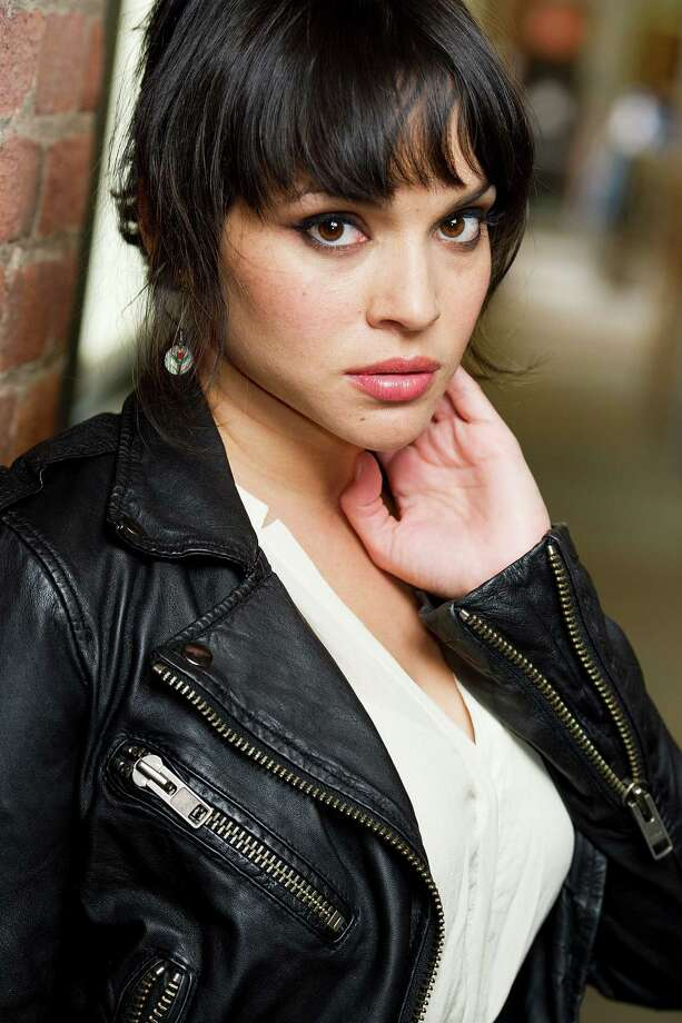 Best part of the breakup: new songs for Norah Jones - San Antonio ...