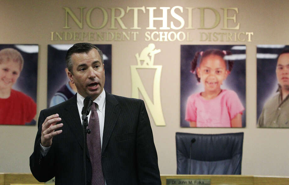 Brian T. Woods, Northside ISD's deputy superintendent for administration, was chosen to be the district's new superintendent. He's worked for Northside for 20 years. Photo: KIN MAN HUI, San Antonio Express-News / ©2012 San Antonio Express-News