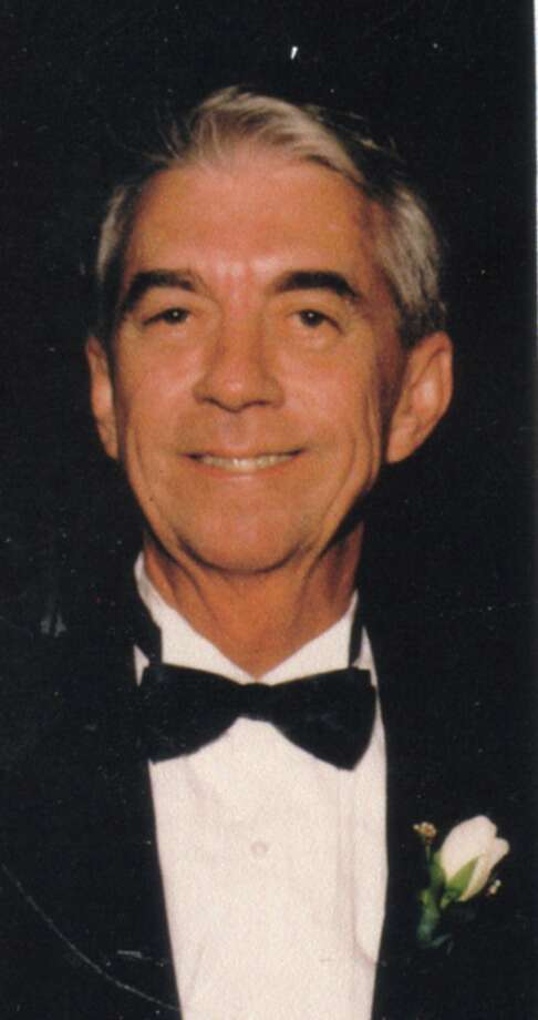 Howard Schramm headed the advertising and marketing department at the E-N.  Read more: http://www.mysanantonio.com/news/local_news/article/Former-Express-News-exec-dies-at-70-3525978.php#ixzz1tjY6csg5 Photo: Courtesy Photo