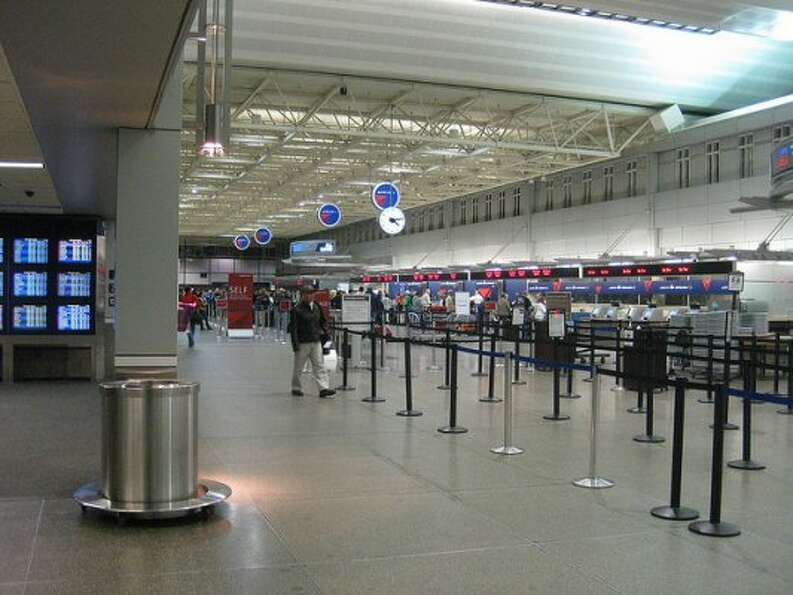 Best airports: 1. Minneapolis (