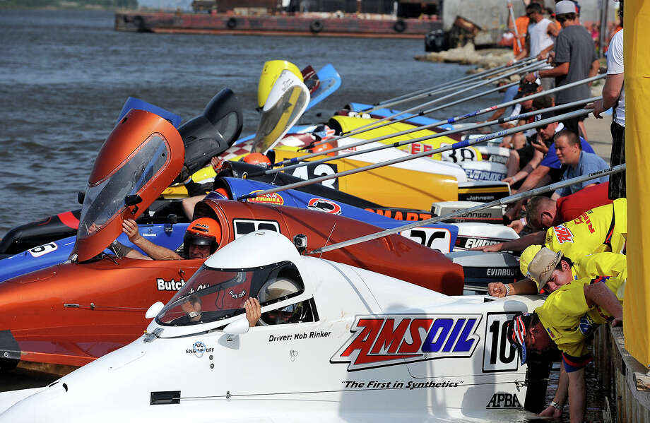 Crew members ready their driver's boats before beginning competition during Sunday's Thunder on the Neches tunnel boat races. Guiseppe Barranco/The Enterprise Photo: Guiseppe Barranco