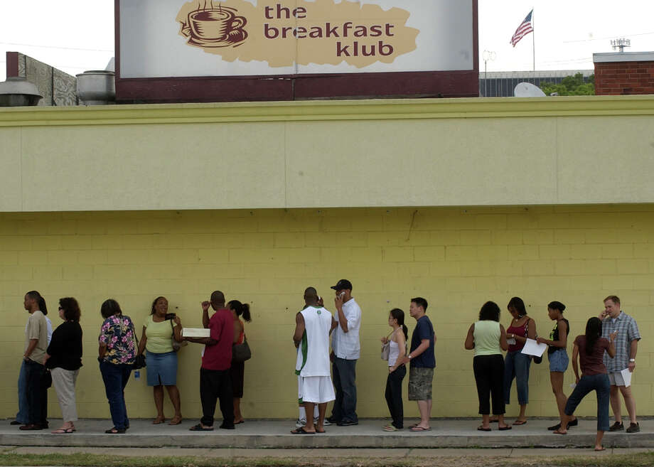 The weekend line to enter The Breakfast Klub. Photo: Carlos Antonio Rios / Houston Chronicle