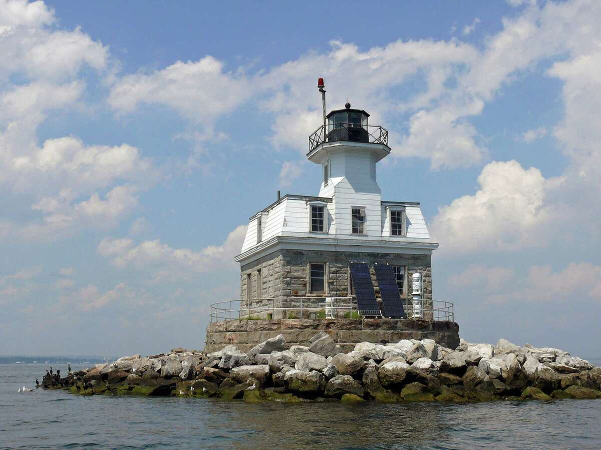 The Penfield Reef Lighthouse is back on the federal auction block.