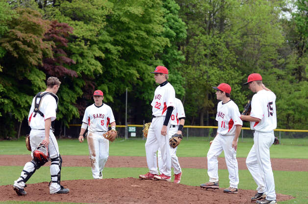 New Canaan vs Fairfield Warde baseball game at Mead Park in New Canaan on Wednesday, May 2, 2012. Photo: Amy Mortensen / Connecticut Post Freelance