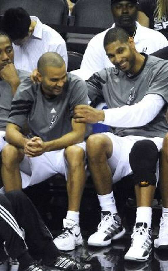 The Spurs' Tim Duncan had plenty of time to kid around during Game 2's rout of the Jazz.