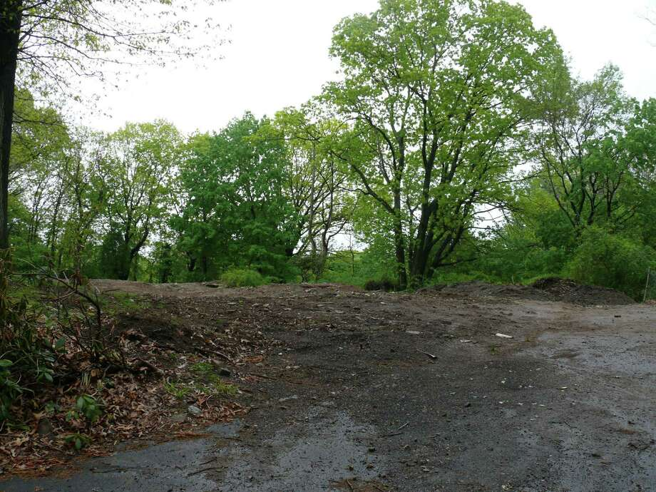 Neighbors say they will fight plans for a three-lot subdivision at 50 Chatham Road. Photo: Genevieve Reilly / Fairfield Citizen