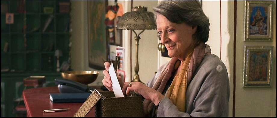 Maggie Smith as ÒMurielÓ on the set of THE BEST EXOTIC MARIGOLD HOTEL. Photo: Ishika Mohan, Fox Searchlight