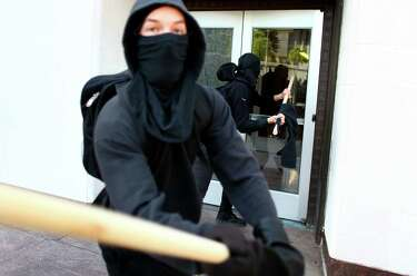 Agent: FBI tailed Portland anarchists headed to May Day riot ...