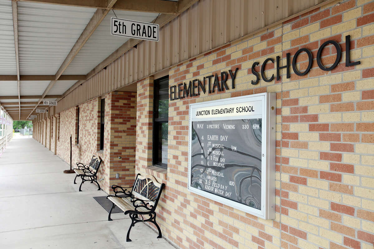 FOR METRO - A view of Junction Elementary School Thursday May 3, 2012 in Junction, Tx.