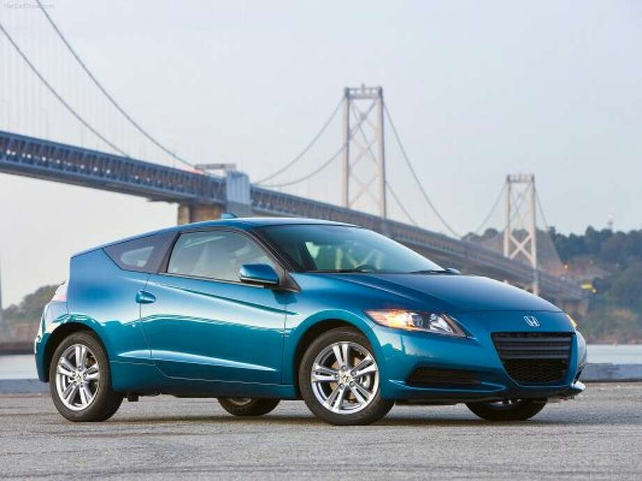 Price: $19,975MPG: 31 city, 38 highwaySource: Edmunds