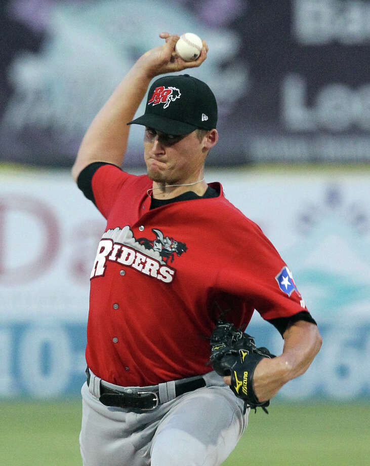 Former Texas A&M Aggie and current Frisco Roughriders pitcher Barret Loux throws against the Missions at Wolff Stadium on Friday, May 4, 2012. Photo: KIN MAN HUI, Kin Man Hui/Express-News / ©2012 San Antonio Express-News