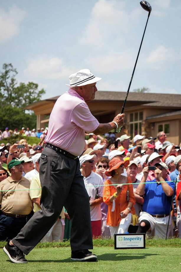 Arnold Palmer watches his tee show on the first hole during The Insperity Championship Greats of Golf. Photo: Smiley N. Pool, Houston Chronicle / © 2012  Smiley N. Pool
